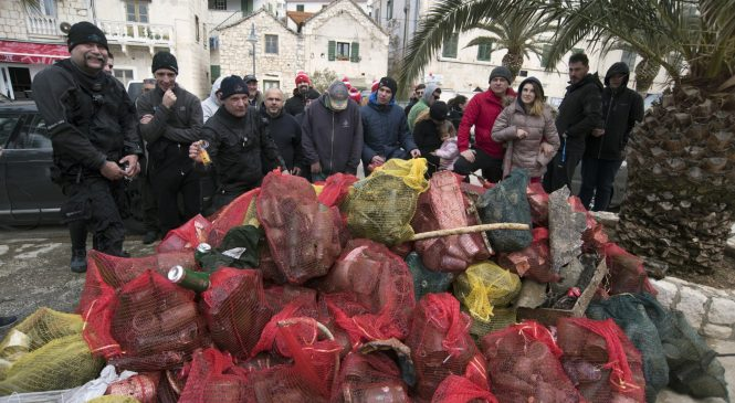 Čišćenje podmorja u Rogoznici