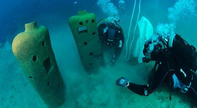 """Skulpture projekta """"Mare Modul"""" postavljene u podmorje"""